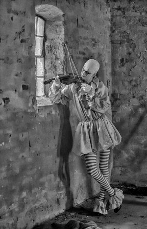 The Clown and the fiddle 3