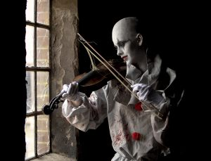 The Clown and the fiddle 1 - FIAP diplom